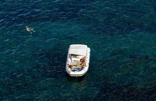 båd på hav